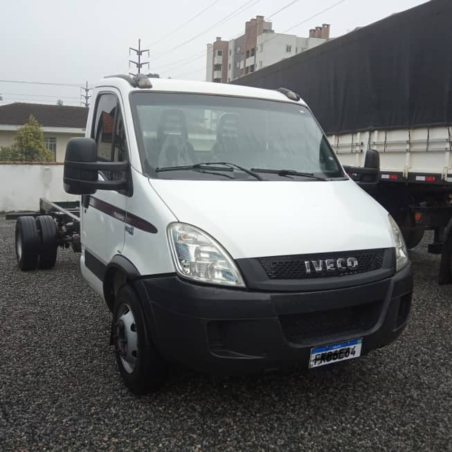 Iveco 70c16 chassi 2011